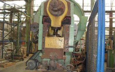 Prensa , Mecânica Chaveteira de 120 ton de fechamento.