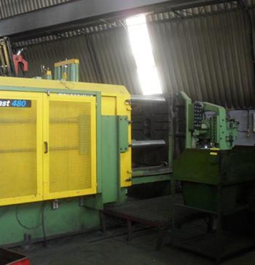Injetora de Alumínio, marca Triuzzi de 480 ton