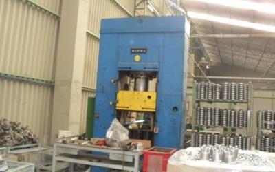 Prensa , Hidráulica , Marca Bipel , de 200 ton de fechamento.
