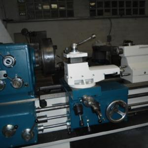 Torno , marca Tonanni TTN 350 , 4200x700 mm.